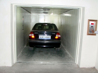 Manufacturers Exporters and Wholesale Suppliers of Car Lift Surat Gujarat