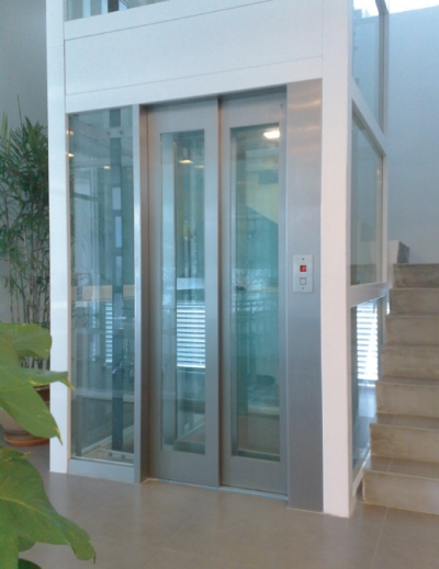 Auto Door Hospital Elevators Manufacturer In Surat Passenger